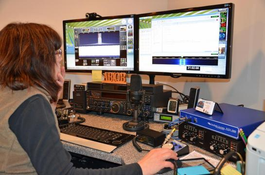 heil microphone wiring diagram images diagram ham ham shack desk also motorola radio dispatch consoles besides diagram